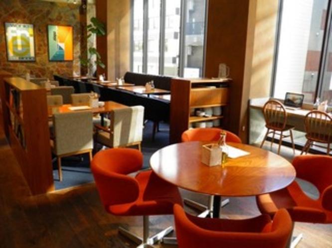 ホテル2階ロイヤルガーデンカフェ