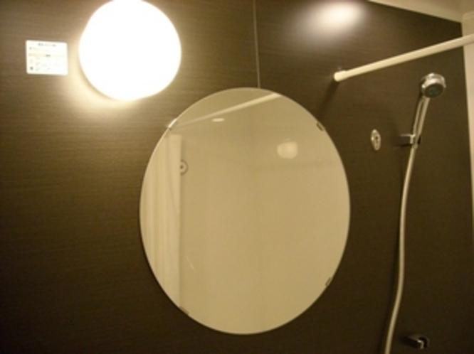 バスルーム丸鏡