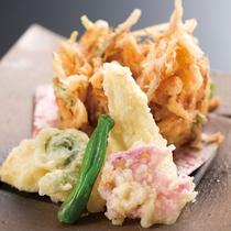 桜海老と春野菜の天ぷら