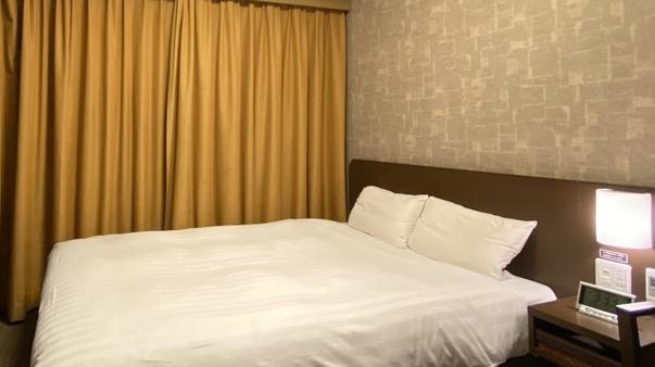 ◆禁煙ダブル◆シモンズ社製ベッド使用<15平米>