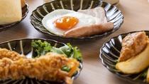 ◆ご朝食 エビフライ・ポテト・目玉焼き・ソーセージ・鶏唐揚げ◆