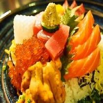 ■海鮮丼(カモンワーフにて)