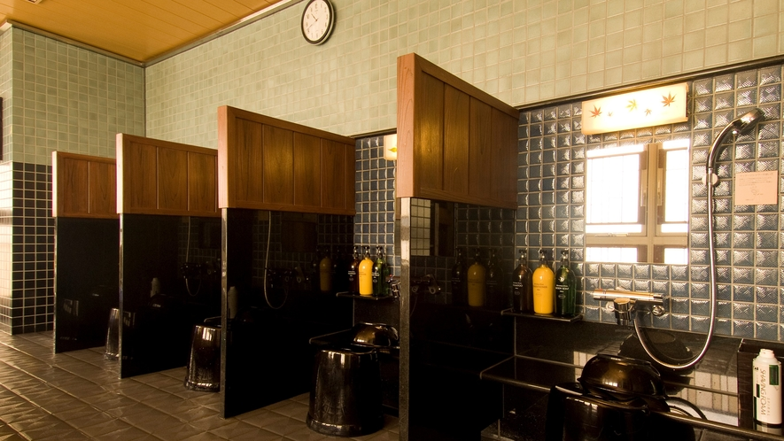 ◆《男性》洗い場(カラン6個設置)