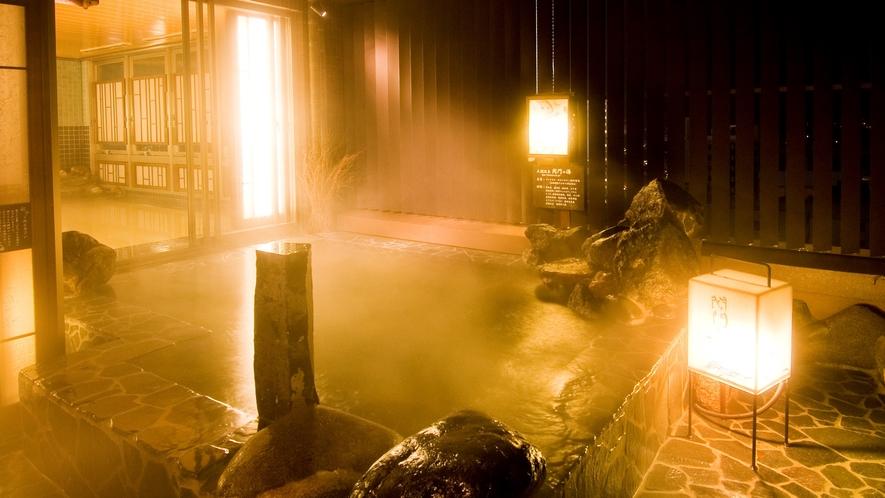 ◆《男性》露天風呂 夜(湯温41~42℃)関門海峡を越えて九州門司が望めます!