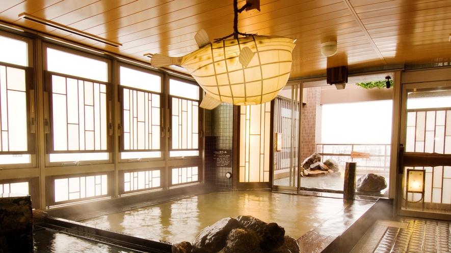 ◆《男性》内湯(湯温40~41℃)【泉質】ナトリウム・塩化物強塩温泉