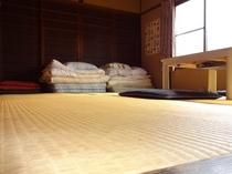 二階六畳京間