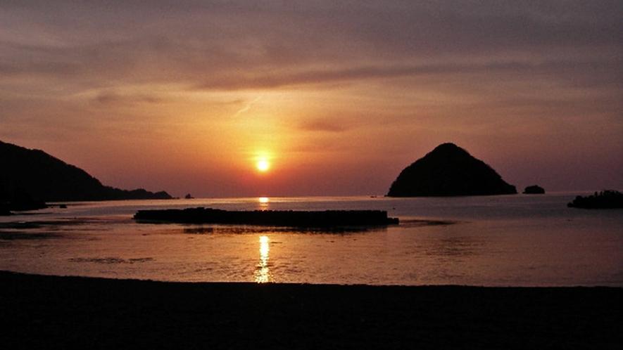 *周辺観光:世久見湾の夕日