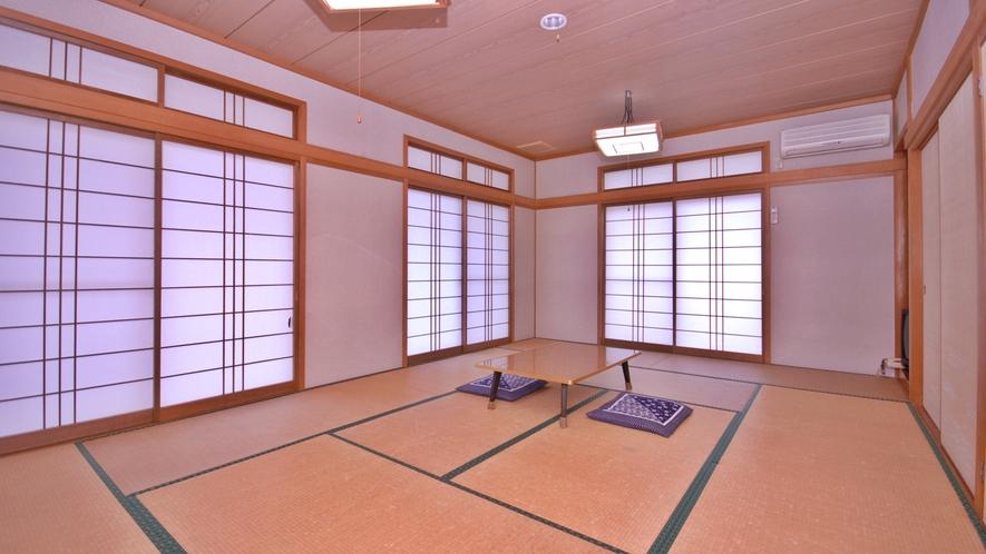*6~12畳の和室客室をご予約人数に合わせてご用意いたします