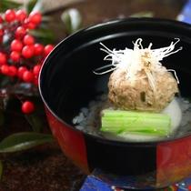 【冬料理】【お椀】鴨つみれ、針葱、そば米、口胡椒