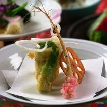 【春料理】【揚物】白鱚菜種巻 たらの芽
