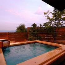【露天kajitsu】露天風呂からの景色は時間の移ろいとともに違った表情を見せます