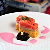 【冬料理】【焼き肴】黒川鱒けんちん焼き、千段昆布、ビーツソース