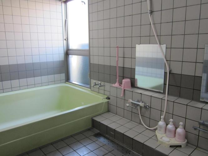 共同浴室PM5:00~AM0:00
