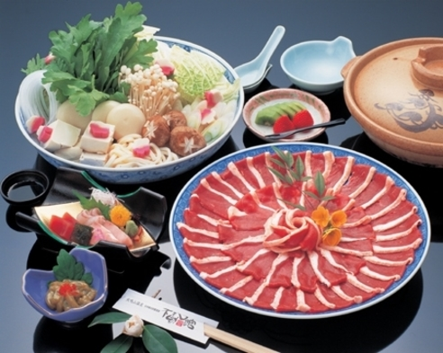 ☆予約時に3種類から選べる鍋プラン♪鴨鍋・ボタン鍋・寄せ鍋【露天付客室】