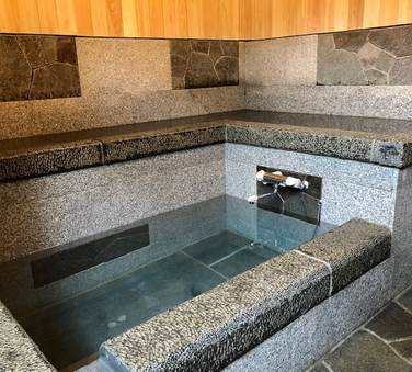 ひなぎく◆母家1階一間和室8畳/内風呂(石風呂)付
