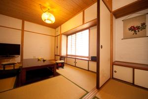 【離れ】専用半露天風呂付客室「つばき」