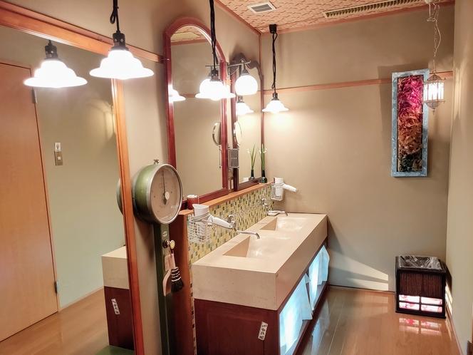 シャワー室 洗面所