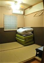 小さな個室