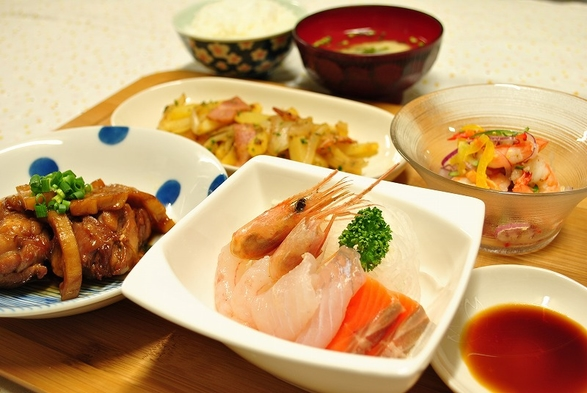 1泊2食付★エアコン完備★ ※バス・トイレ共同【ご飯お代わり自由】体にやさしい手作お料理