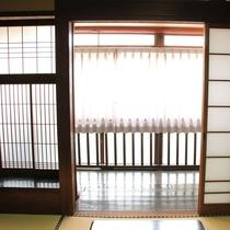 【客室一例】歴史を刻んだ趣の異なる客室が全部で14室ございます。