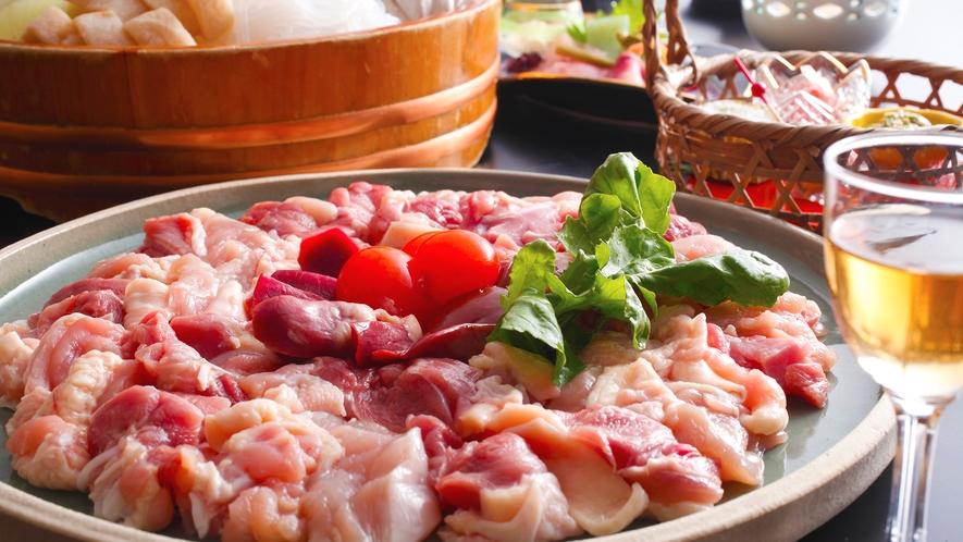 【京地どりすき焼き】特製の割り下が鶏との味わいを深める!