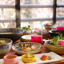 【和朝食】自慢の『とり雑炊』をはじめ、地元食材をふんだんに使った健康朝食♪