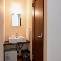 *洗面処/清潔を心がけた洗面スペース。
