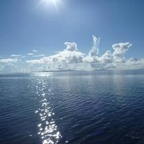 *周辺景色/キラキラと海を照らす太陽。西表島の太陽は今日も元気!