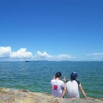 *海遊び/二人でただただのんびりと眺める海も素敵な思い出。
