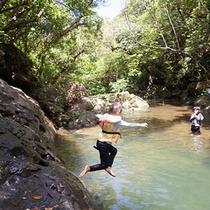 *トレッキングツアー/滝を目指して山歩き♪沢山歩いたご褒美は滝壺での水遊び!