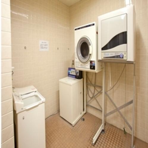 コインランドリー『洗濯機3台・乾燥機3台』