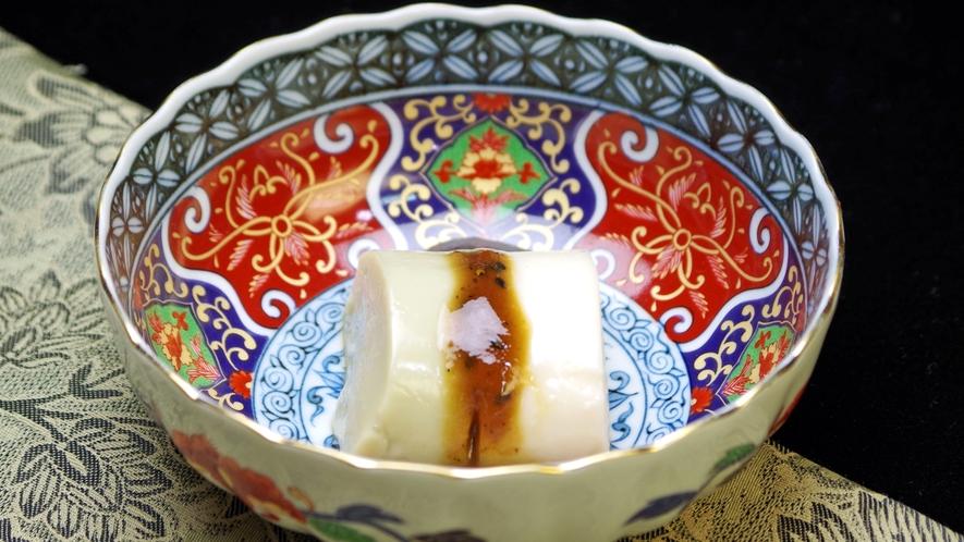 *当院でしか味わえない特製の「手作りごま豆腐」 ※一例です