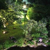 4ヶ所有る庭園のライトアップ