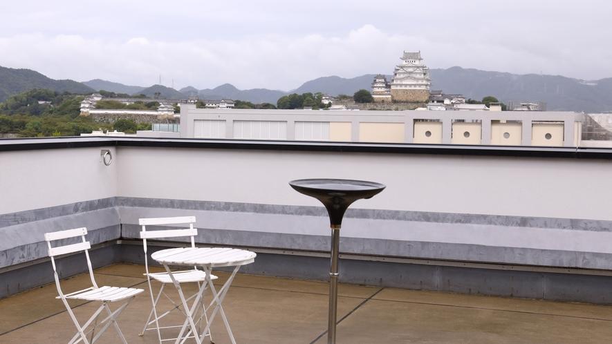 7階テラス朝の風景
