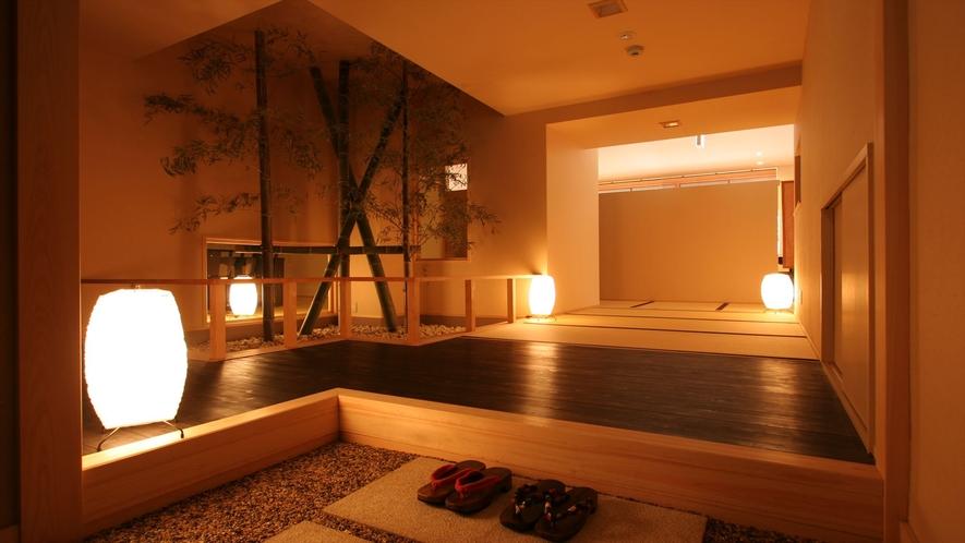 「料亭ダイニング」。畳敷きの個室に、ローテーブル&イスをセッティング