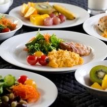 【朝食ビュッフェ例】バランスの良い人気の朝食。