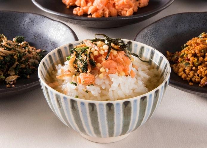 【朝食ビュッフェ例】鮭いくら茶漬け