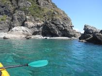 無人島までカヤックで出かけましょう