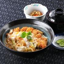 *レストランメニュー【昼】/カツ丼 900円