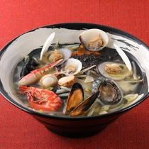 *レストランメニュー【昼】/海幸麺 (鮑入り) 1,200円