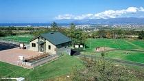 *岩内パークゴルフ場(車5分)/岩内町や積丹半島を一望でき、爽やかな風を感じながらプレーできます。