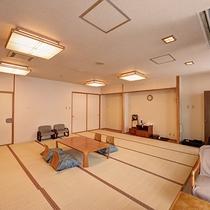 *和室20畳一例/畳の間で思いっきり足を伸ばして、のんびりとお寛ぎ下さい。