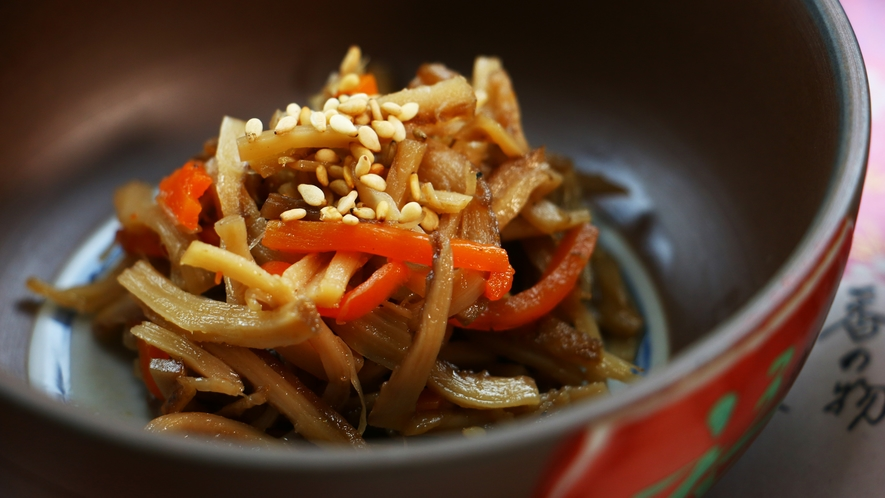■夕食_椎茸のきんぴら。絶妙な味付けをご堪能あれ♪