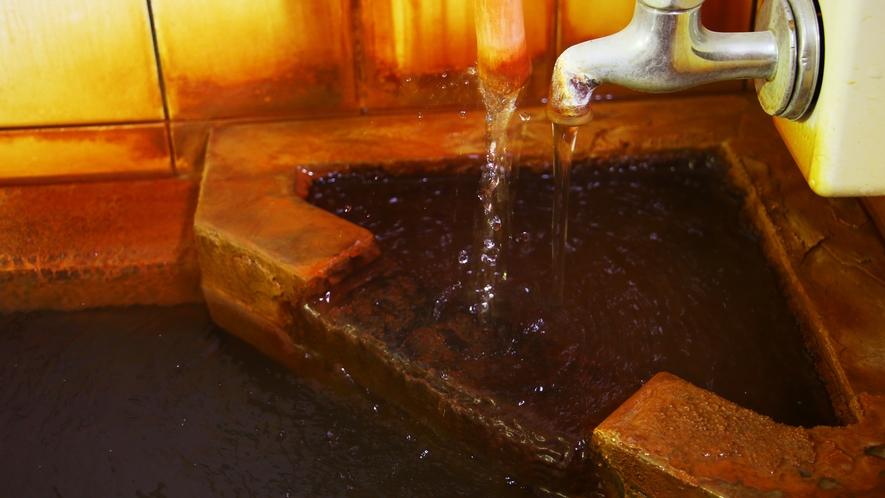 ■温泉_自慢の温泉は皮膚の汚れを取り除く働きのある、浴後さわやかな「冷の湯」として知られています。