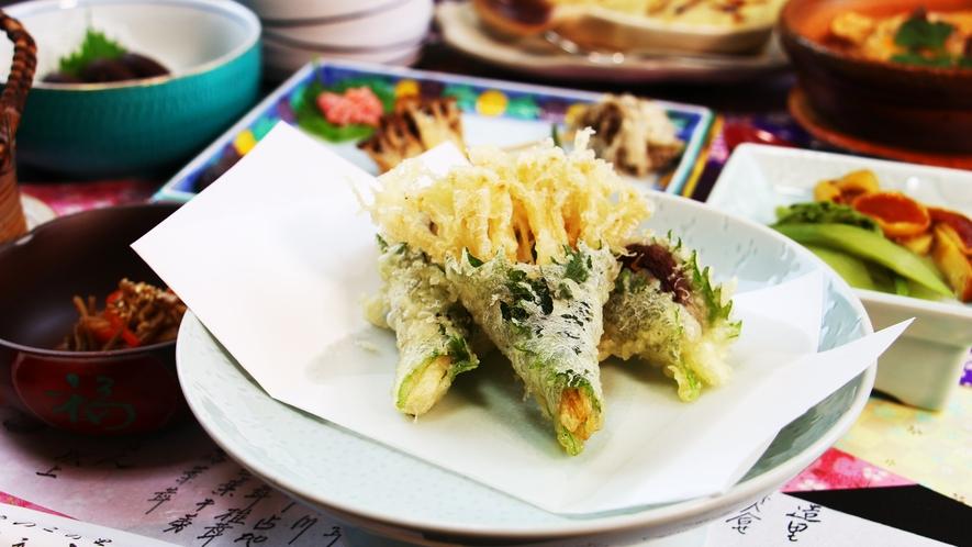 ■夕食_きのこと季節の食材の天婦羅!やっぱり揚げても美味しいきのこ…