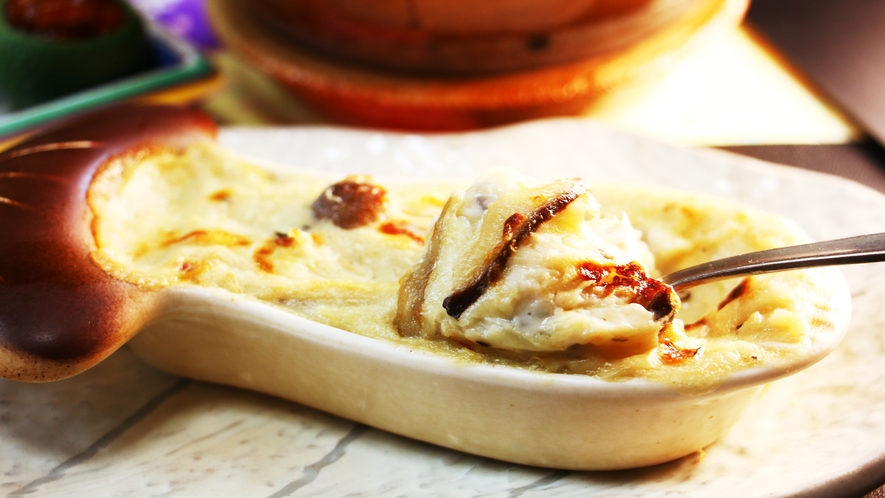 ■夕食_きのこグラタン。ホワイトソースと薫るきのこたちの相性バツグンです!