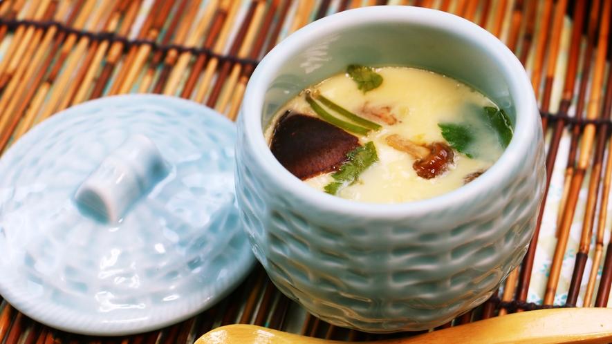 ■夕食_和食の定番!料理長の腕が試される茶碗蒸し。きのこと出汁と真剣に向き合いました。