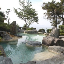 華紋の湯(女性露天風呂)