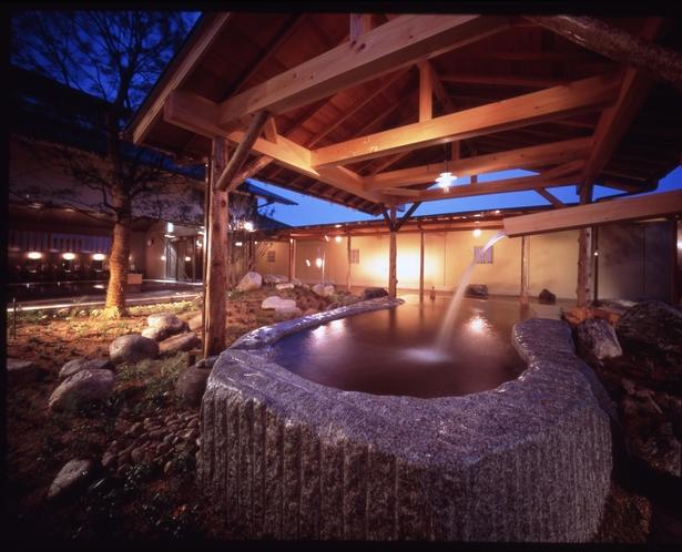オリーブの湯 露天風呂