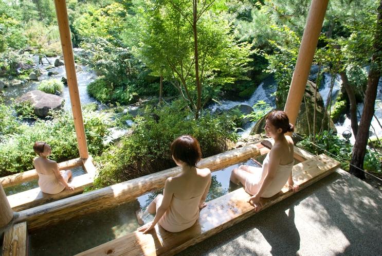 奥入瀬渓流/滝見の足湯